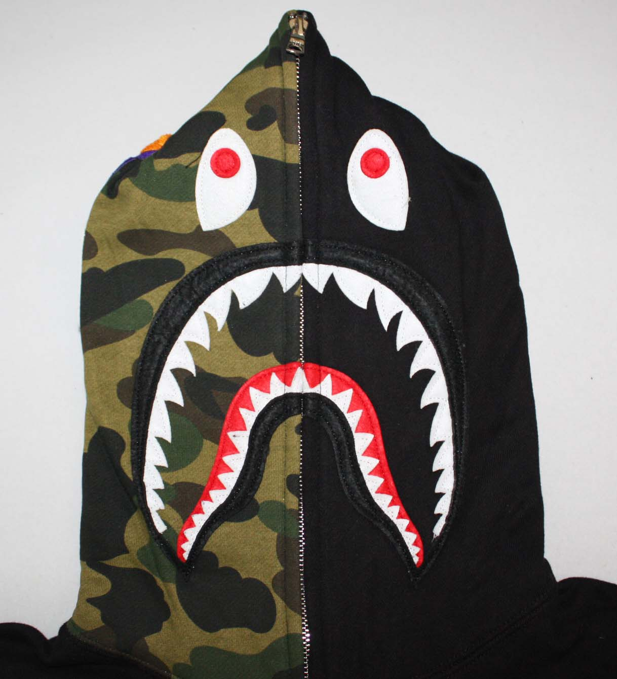 32473982888 besides Finally caught this guy in the garage after likewise Bape Golden Hoodie as well Ac1052bk together with Bape Shark Hoodie. on bape shark jacket