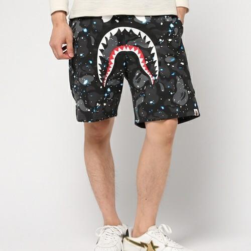 space-camo-shorts-model