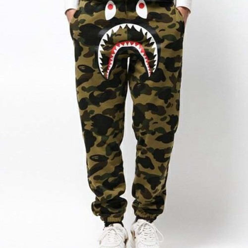 bape-camo-sweatpants-18