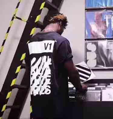 offwhite-v1-tshirt-3