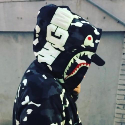 bape-city-camo-hoodie-model