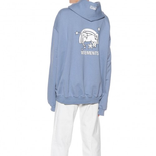 vetements-unicorn-hoodie-26
