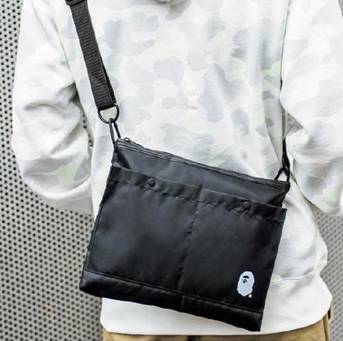 bape-black-gift-shoulder-bag-2