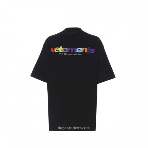 vetements-rainbow-tshirt-2
