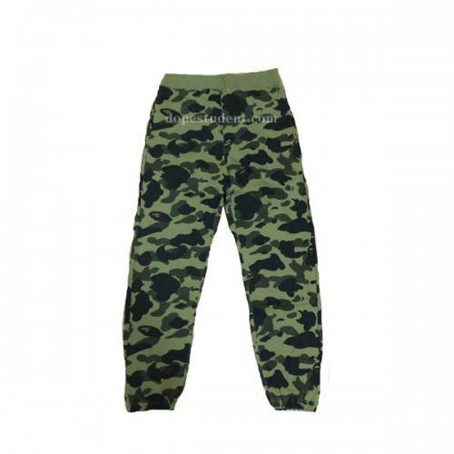 bape-green-camo-sweatpants-1